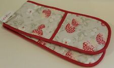 CATH KIDSTON DOUBLE OVEN GLOVE. STRAWBERRY PRINT. RED.