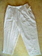 NWT Maggie Barnes woman's plus size 26W Short White  elastic waist pants