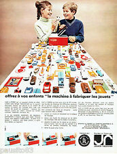 PUBLICITE ADVERTISING 026  1965  Mattel jeux jouets Vac-U-Forum machine fabrique