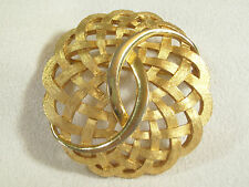 Plate Brooch Pin Swirl Scalloped Vintage Crown Trifari Basket Weave Brushed Gold