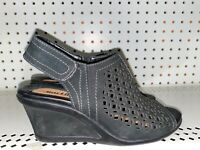 Earth Cascade Womens Leather Perforated Wedge Peep Toe Sandals Size 6.5 Black