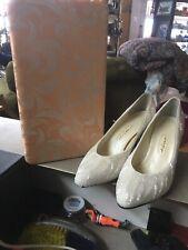 Vintage Impo White beaded Heels 8 1/2B
