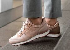 sports shoes c8a70 cf0ee Femme Nike Internationalist Premium Taille 5 EUR 38.5 (828404 202) Particle  Rose