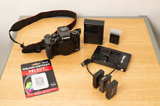 Canon EOS M5 24.2MP Mirrorless Camera Body with New 128GB SD + Extras  - Mint!