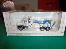 New Speccast Peterbilt 385 Wrecker Miller Industries Kids Stuff 1:64 Scale 33027