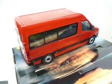 1/24 VW VOLKSWAGEN CRAFTER PERSONAL BUS  NEW IN   RARE SELTEN!!!