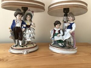 BEAUTIFUL PAIR OF ANTIQUE GERMAN PORCELAIN LAMPS. CHILDREN.