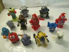 Imperfect Lot of Little Plastic Wind-Up Novelty Toy Robots and Aliens w issues