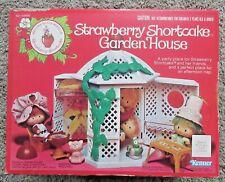 VINTAGE STRAWBERRY SHORTCAKE GARDEN HOUSE KENNER NEW OPEN BOX GAZEBO RARE