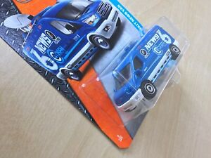 Matchbox New Toy Model 9/125 '14 Ford Transit News Van Blue and White Sealed