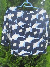 Blouse H&M. Superbe. Fluide, courte et ample.Grosses fleurs. Taille 38. TBE
