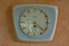 Alte Mauthe Wand Küchenuhr Keramik 50er Nierendesign blau weiß gold Vintage