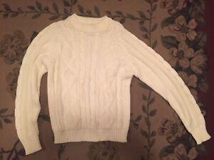 (unisex)Soft Sweater Size Medium National Shirt Shop Coast to Coast 100% Acrylic