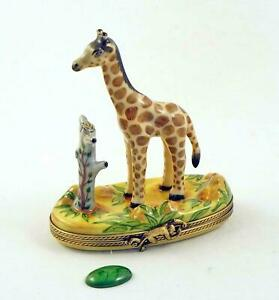 New French Limoges Trinket box Giraffe in African Safari with Removable Leaf