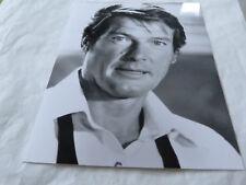 JAMES BOND - ROGER MOORE - RARE PHOTO DE PRESSE!!!!! PRESS PHOTO!!!4!!!!!!!!!!!