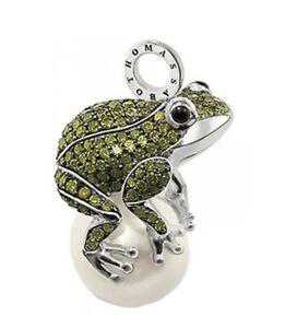 Thomas Sabo Large Green Zirconia Frog On A Pearl Pendant