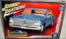 amt 1/25 1964 PONTIAC GTO HARDTOP w/ JOHNNY LIGHTNING