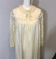 Vintage Bed House  Robe Sheer Off White With Lace Lounge Wear 1960s Xl