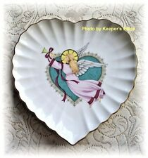Mikasa NOEL Folk Angel Heart Scalloped Edge Porcelain Collectors Plate Gold Rim