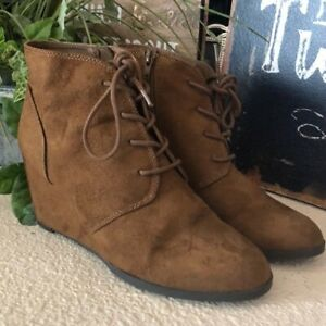 American Rag Baylie lace up caramel wedge boots