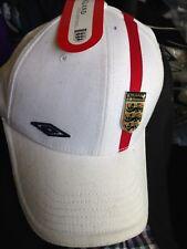 ENGLAND CAP UMBRO FLEXI FIT IN WHITE AT £5 ENAMEL BADGE