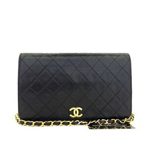 CHANEL Quilted Matelasse 22 CC Logo Push Lock Lambskin Chain Shoulder Bag/90184