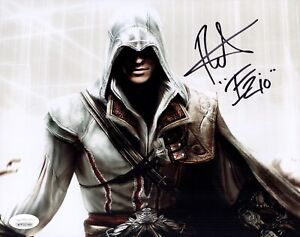 ROGER CRAIG SMITH Signed ASSASSIN'S CREED 8x10 Photo IN PERSON Autograph JSA COA
