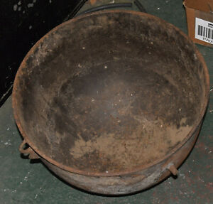 "1700'S LARGE VINTAGE CAST IRON 3 FOOTED 20"" COWBOY CAULDRON COOKING POT KETTLE"