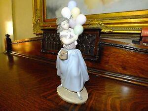 Lladro Figurine Ornament Balloon seller lady Retired