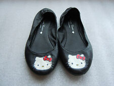 """BALLERINES """" Hello Kitty by VICTORIA COUTURE Wintertime"""" P32 - TBE"""