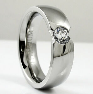 TITANIUM Highly Polished FASHION RING with 5mm Round CZ - size 11 - NEW - in Box