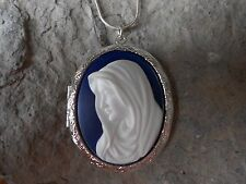 STUNNING VIRGIN MARY CAMEO LOCKET- WHITE - BLUE - QUALITY- MOTHER  MARY