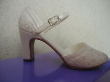 Just the Right Shoe by Raine Shower of Flowers #25007 New in Box