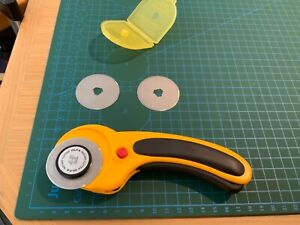 Olfa deluxe rotary cutter 45mm (made in Japan, ergonic)