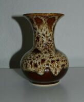 Fosters Pottery Honeycomb vase, 5.5'' ( 14 cm) tall