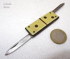 tout petit couteau onglier en forme de domino - knife