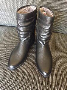 "BNWOTS ""DERRI BOOTS"" 'Warm & Dry' Ladies Size 8"