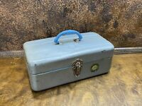 Vintage 1951 UNION Steel FISHING TACKLE BOX Watertight  w 2 trays