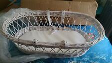 Magnifique berceau couffin bébé en osier _ Beautiful white wicker basket