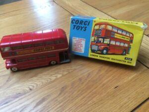 CORGI 468 - LONDON TRANSPORT ROUTEMASTER BUS