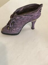 """Just The Right Shoe """"Cloaked in Mystery� 25113"""
