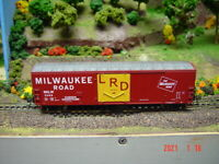 HO RTR Milwaukee Road 50' Youngstown PD Box Car #3068