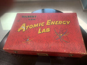 ***A C Gilbert U-238 Atomic Energy Lab*** Box With Original Inserts & T-Clips