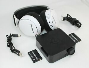 SteelSeries Arctis Pro Wireless Gaming Headset Lossless PS4/PC- White