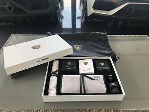 Original Lamborghini Urus Pflegeset Pflege USB Adapter Mikrofaser Lederpflege
