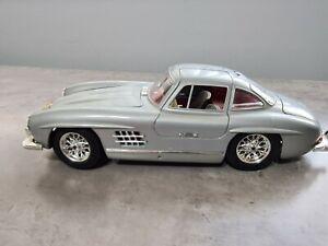 Burago Mercedes 300 SL : 1954 in Silver (1/18 Scale)