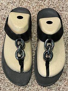 NIB NEW FitFlop Wedge Thong Sandal 41 Women 9 M Black Superchaain Leather
