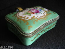 ANTIQUE SEVRES PORCELAIN HAND-PAINTED SUGAR BOX HINGED LID c.1800's J-F Micaud?
