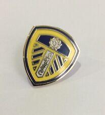 LEEDS UNITED Football Club FC Badge Enamel Supporters UTD LUFC Pin 35