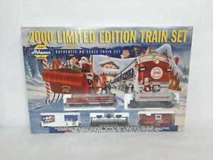 ATHEARN 2000 LIMITED EDITION HOLIDAY TRAIN SET #1098 HO w/ GP38 Locomotive #7000